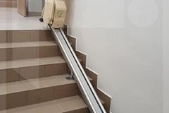 Egyenes széklift  összecsukva